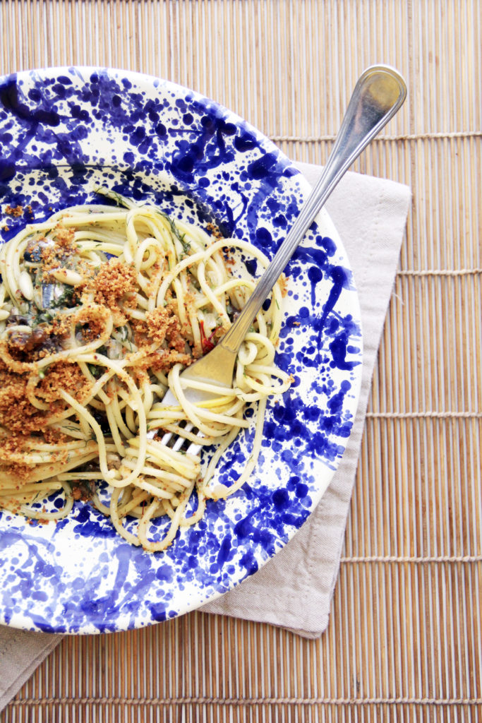 Spaghetti con le sarde e prugne