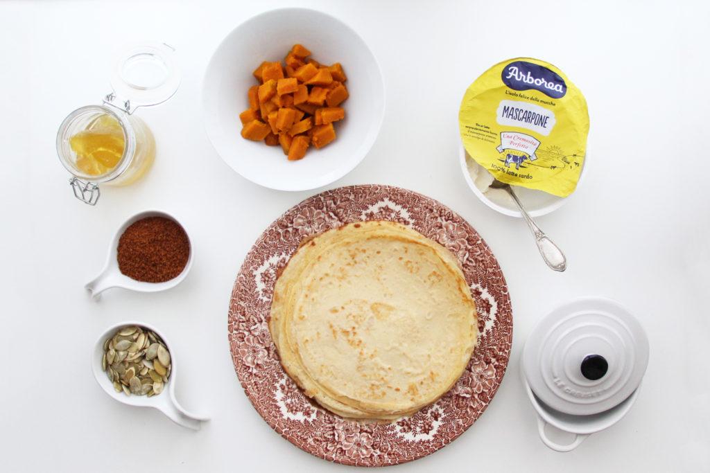 Ingredienti per la preparazione delle crespelle al forno con mascarpone Arborea, zucca, semi di girasole e mostarda
