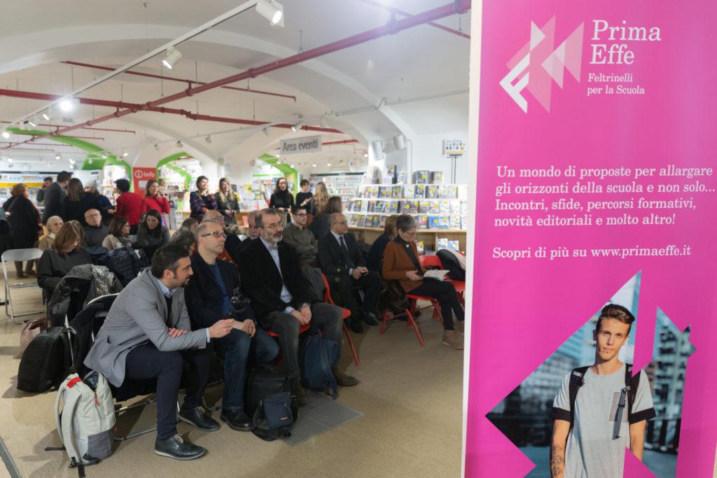 Fotografia della sala durante la presentazione del libro CambiaMondo