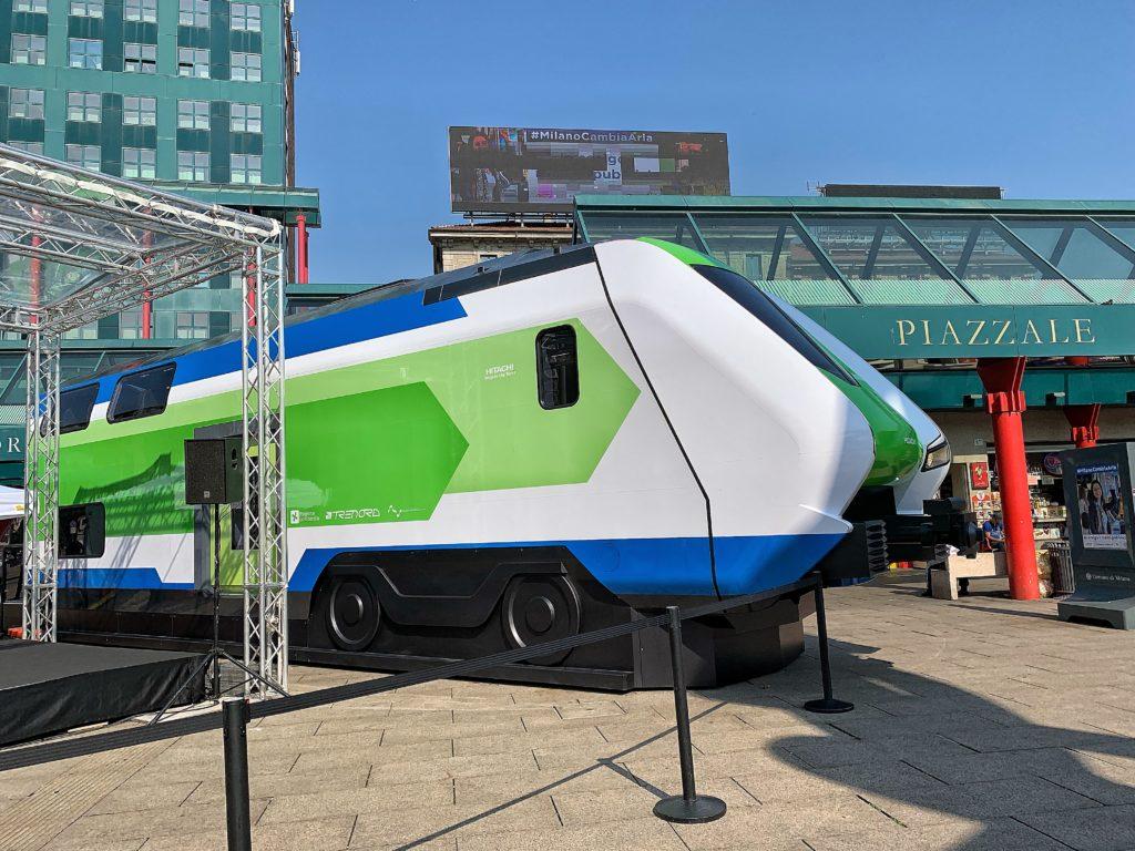 Mock up del nuovo treno FNM in Piazzale Cadorna a Milano